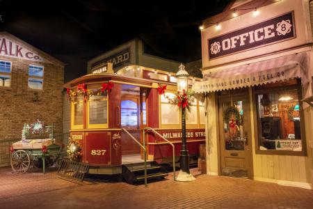 streetcar decorated for holidays